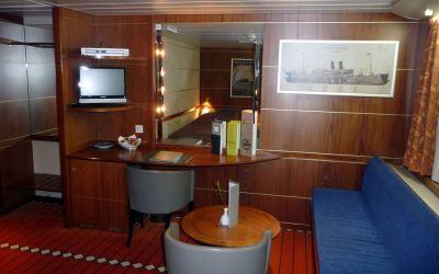 Commodore De Luxe Cabin on King Seaways