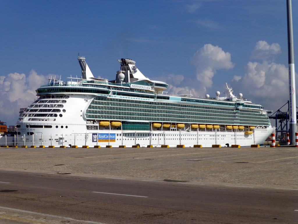 Royal Caribbean Mini Cruises 2019 / 2020 | 2 for 1 Mini ...