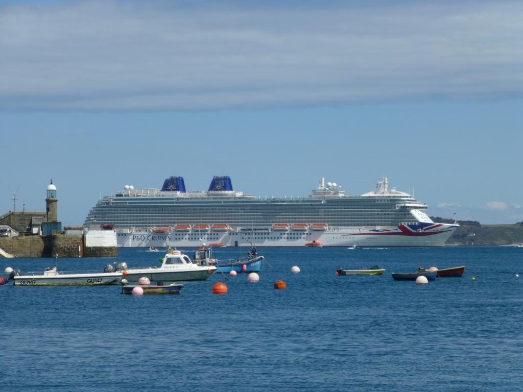 P&O Cruises Britannia in Guernsey